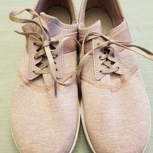 Like New New Balance Memory Foam Lilac size 10